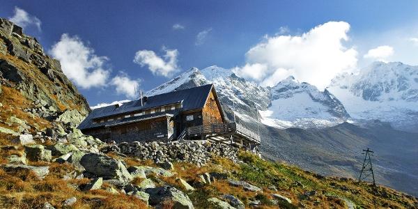 Vor ihrem Neubau auf Zillertaler Boden nach dem zweiten Weltkrieg war die Kasseler Hütte im Südtiroler Ahrntal beheimatet