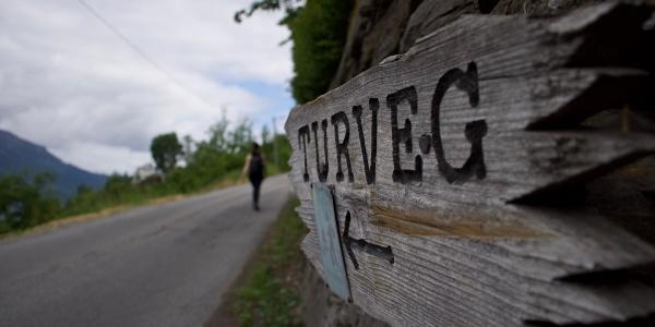 Sign to Turveg