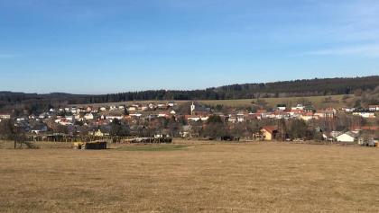 Blick auf Greimerath vom Höhenweg im Februar