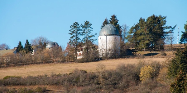 … dem Observatorium Hoher List entgegen.