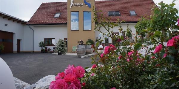 Weingut und Gästehaus