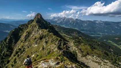 Blick über den Krahbergzinken zum Dachsteinmassiv