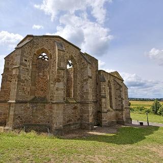 """Ruine der """"Beller Kirche"""" von Norden"""