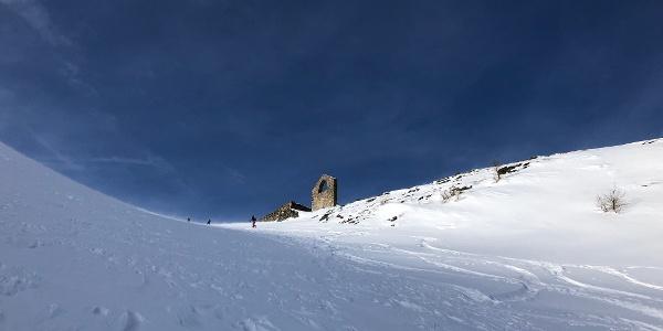Beim Aufstieg - Ruine Radhaus im Blick