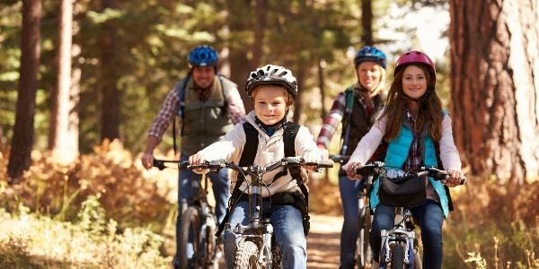 Familienausflug mit Fahrrad
