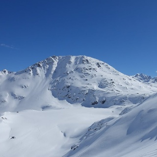 Skitour vom Oberalppass zum Piz Cavradi über den Pazzolastock