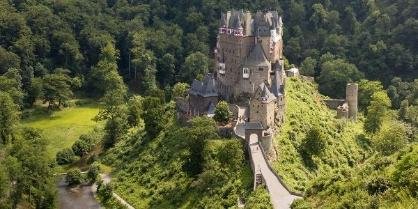 Eltzer Burgpanorama_Burg Eltz