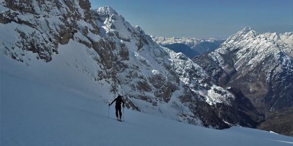 Towards the Griva Mountain rib