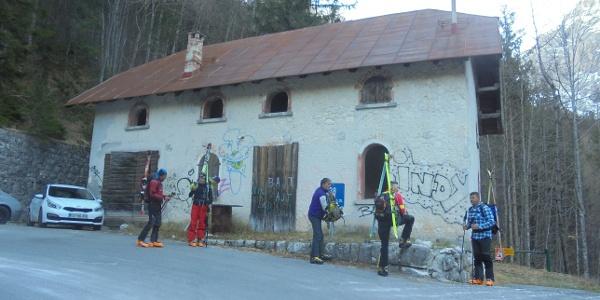 Beim Haus der Straßenarbeiter