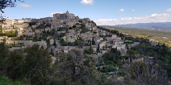 Heading back into Gordes