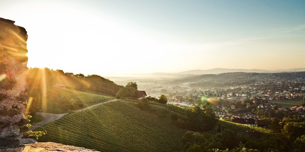 Blick von der Burg Deutschlandsberg auf die Schilcherweingärten und auf die Schilcherhauptstadt Deutschlandsberg