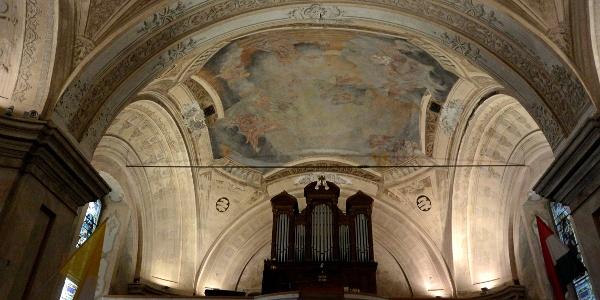 A nagymarosi Szent Kereszt felmagasztalása-templom orgonája és boltozata