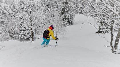 Sogar ganz unten (ca. 1350 m) noch recht gute Schneelage