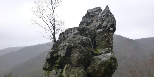 Bischofsmütze, Felsformation oberhalb des Kautenbachtals