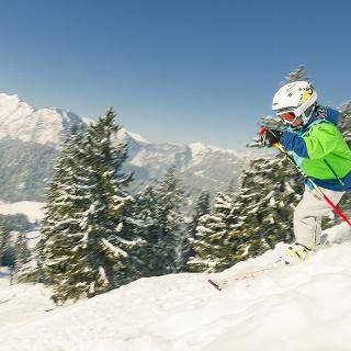 <![CDATA[Skifahren für Groß und Klein am Hochschwarzeck]]>