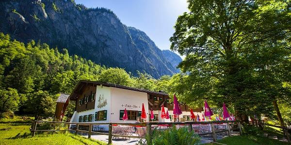 Die Berggaststätte Saletalm zwischen Obersee und Königssee