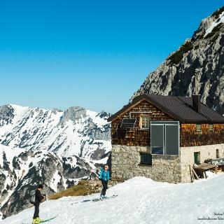 Fritz-Pflaum-Hütte im Winter