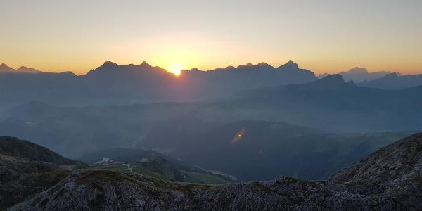 Sonnenaufgang von der Kostner Hütte aus