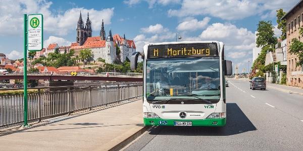 Buslinie M vor der Albrechtsburg Meissen