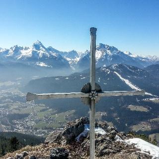 Das Gipfelkreuz auf dem Rauhen Kopf