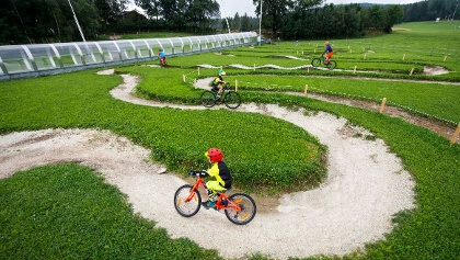 Mini Bikepark by Wexl Trails