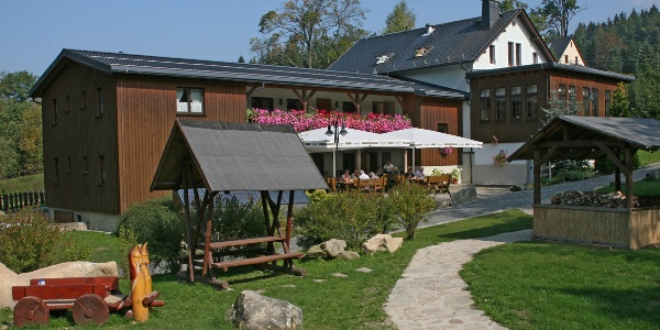 Biergarten und Spielplatz Pension Brettmühle Königswalde