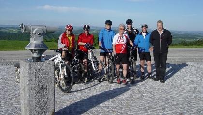 Biker am Paschinger Hügel