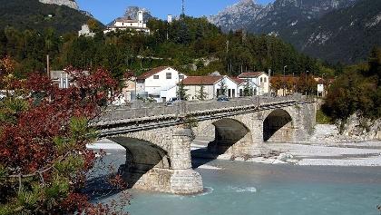 Brücke über die Fella - am Weg zum Etappen-Ausgangspunkt in Moggio Udinese, nahe der Papierfabrik - Südwestansicht