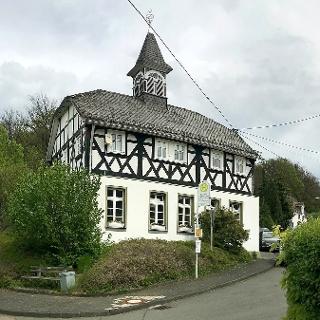 Die Kapellenschule in Obersetzen , heute Bürgerhaus