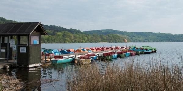 Morgestimmung am Laacher See; Start der Wanderung