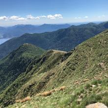 Abstieg über den Bergkamm