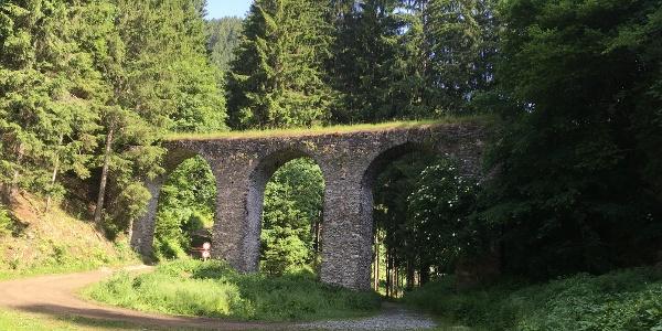 Viadukt zwischen Hoch- und Nieder Kraig