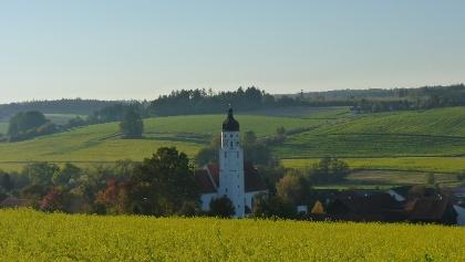 Blick auf die Emmersdorfer Kirche St. Stephan