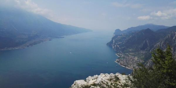 Blick auf den Gardasee Richtung Süden