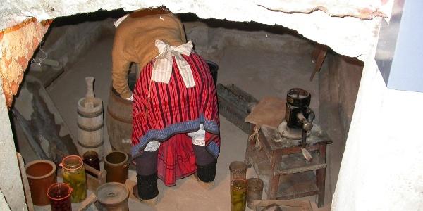 Witwe Bolte im Keller des Wilhelm Busch Geburtshauses Wiedensahl