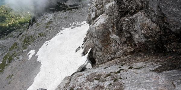 Schneebrücke von oben