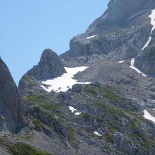 Blick während Zustieg auf den Normalweg (oberhalb vom Schneefeld)