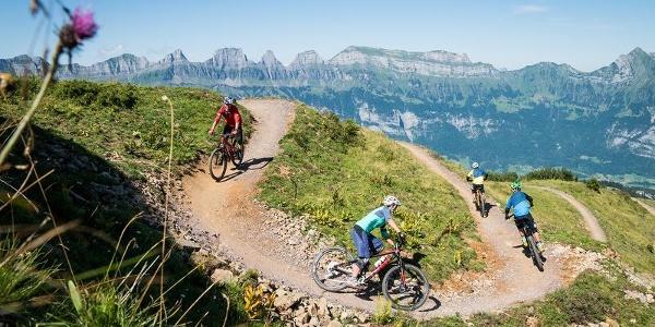 Bikerspass mit Blick auf die Churfirsten
