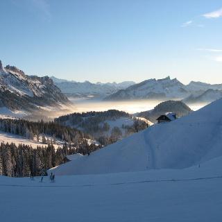 Weitsicht nach Sörenberg und die Berner Alpen.