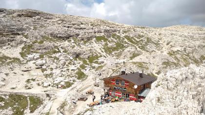 Idyllische Büllelejochhütte