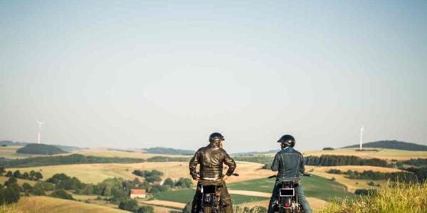 Glück auf zwei Rädern - Motorradtour durch die alte Welt