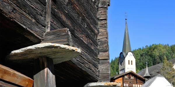 Wanderung von Fiesch via Ernen, Mühlebach, Steinhaus nach Niederwald