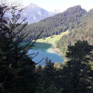 Blick auf den Alatsee vom Zwei-Seen-Blick