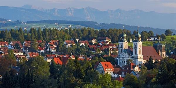 Lindenberg mit Stadtpfarrkirche St. Peter und Paul