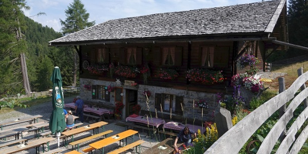 Die Ulfaser Alm ist ein willkommenes und beliebtes Rast- und Ausflugsziel bei Wanderern.