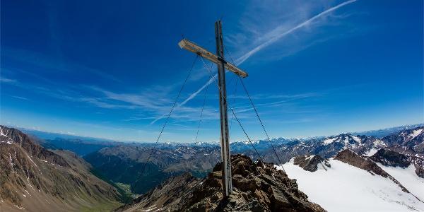 Hiking Tour to Finail summit