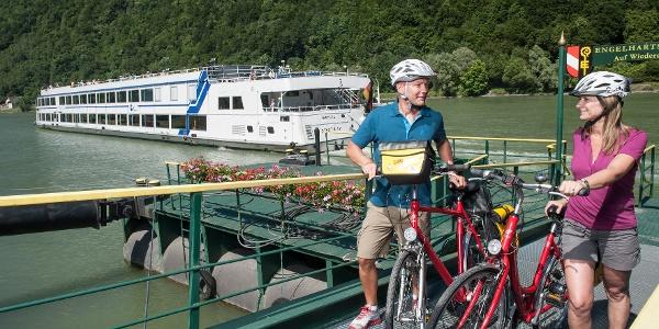Donauradweg Schiffsanlegestelle Engelhartszell