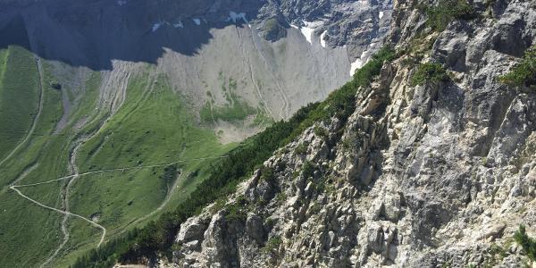 Fahrweg zur Oberzalimhütte und Abstieg vom höchsten Punkt auf dem Fürggelesteig