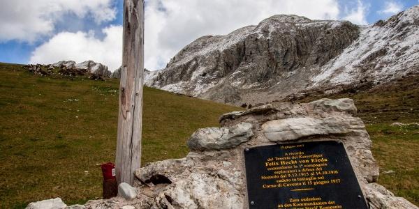Croce dedicata al Tenente Felix Hecht von Eleda