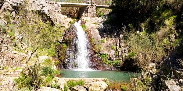 Penedo Furado waterfall